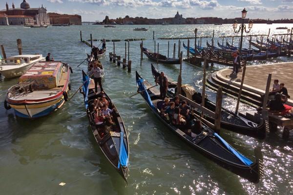 Gondolas Venice boat traffic