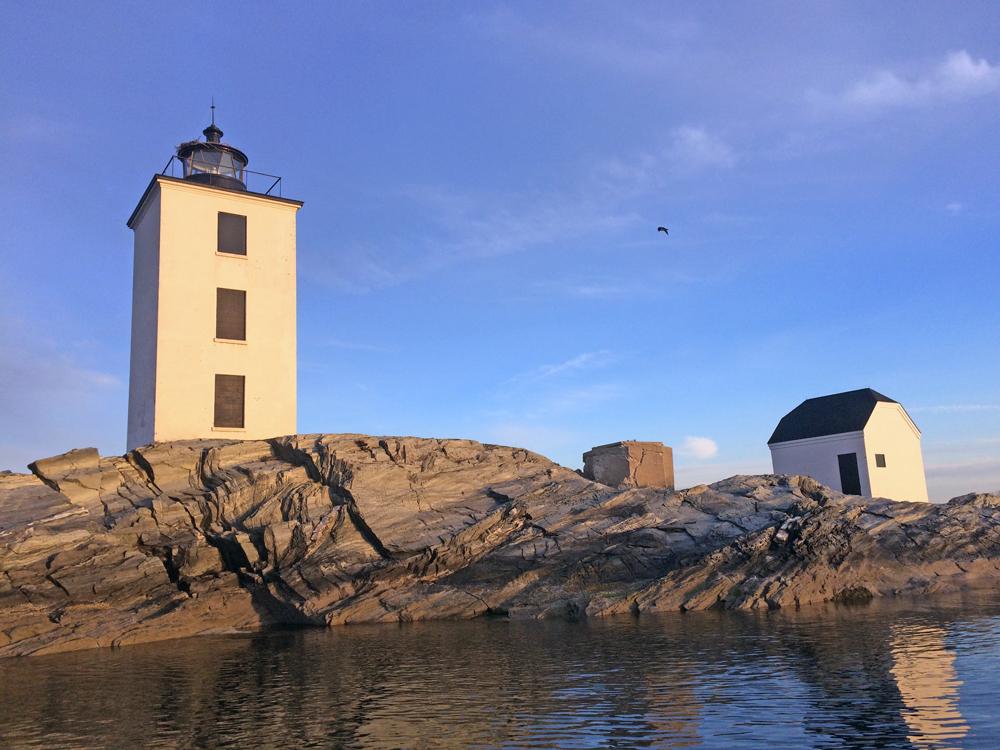 Dutch Island lighthouse ospreys